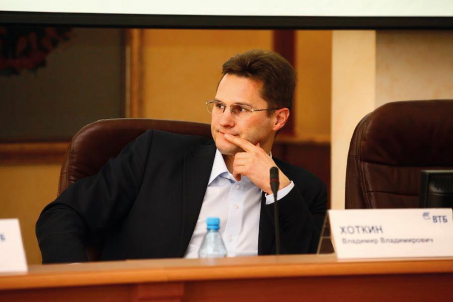 <p>Владимир Хоткин, руководитель службы по работе с акционерами банка ВТБ</p>