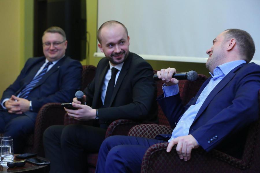 <p>Эдуард Семёнов, Антон Шабанов, Александр Кареевский.<br /> Фото А. Фёдорова</p>