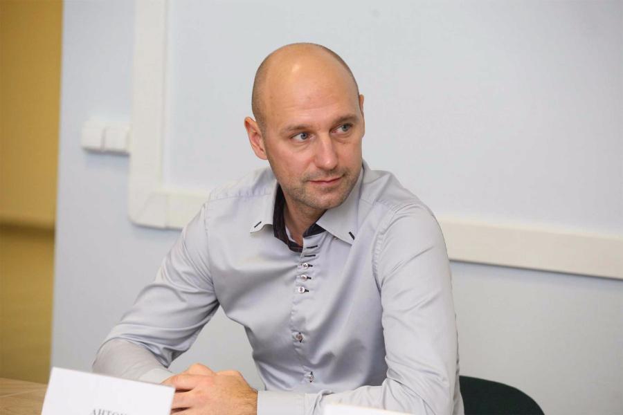 <p>Антон Кондратьев, генеральный директор УК «Система АМТ»</p>
