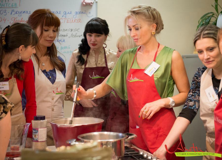 <p>Курс «Учимся готовить». Занятие «Супы и заправки».<br /> Фото из архива компании</p>