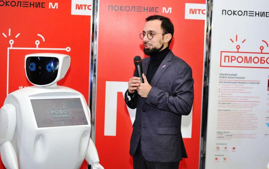 <p>Артур Зархи, директор московской &quot;Робостанции&quot;<br /> Фото: Д.Свищев</p>