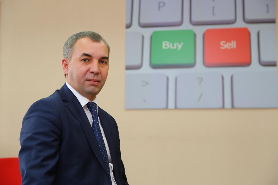<p>Константин Тютрин, исполнительный директор представительства АО «ФИНАМ» в г. Иркутске.<br /> Фото А. Фёдорова</p>