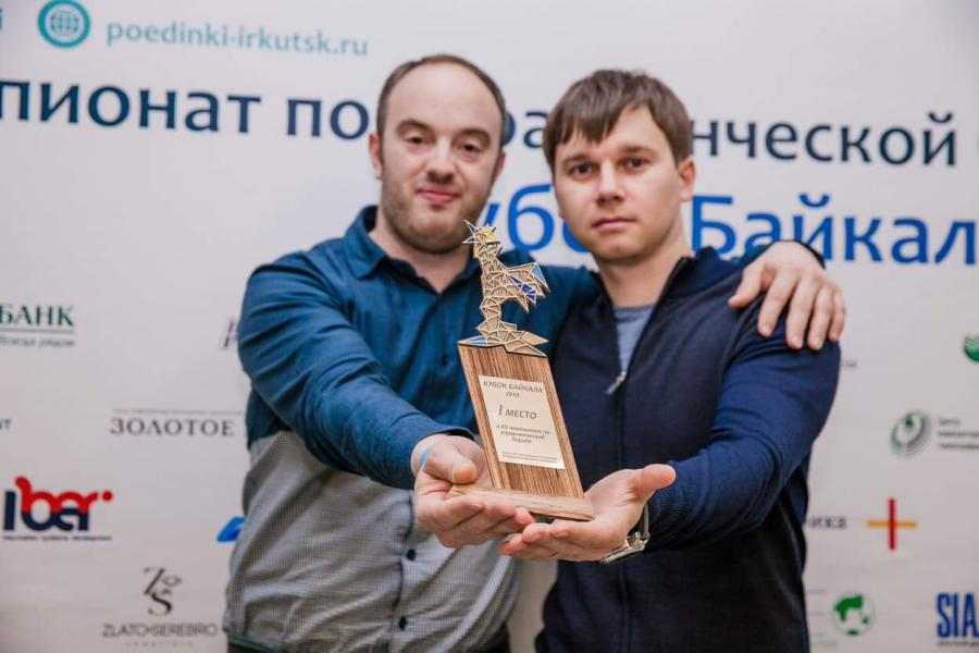 <p>Евгений Дудко (слева)</p>