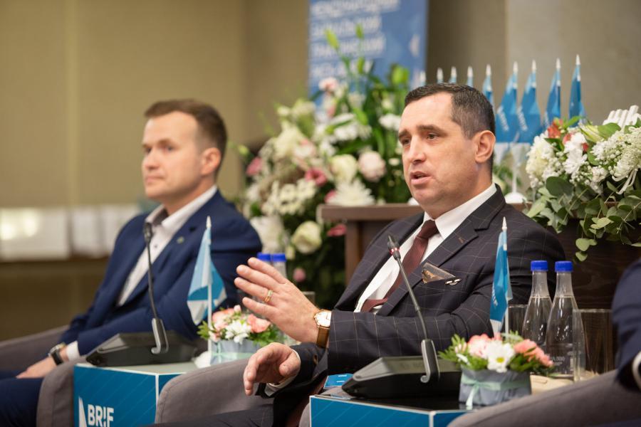 <p>Дмитрий Зотов, начальник центральной инжнерно-технологической службы ИНК.<br /> Фото: Евгений Козырев</p>