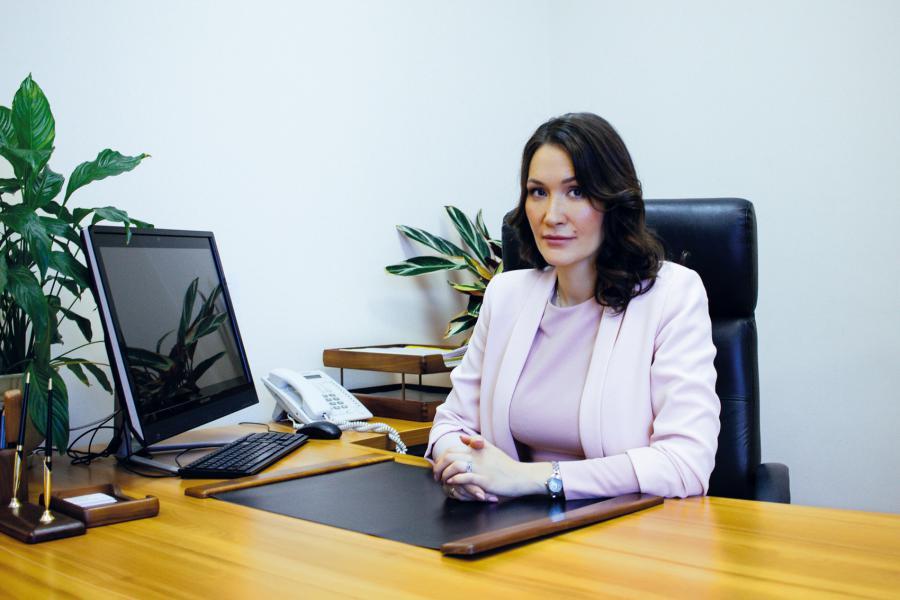 <p>Диляра Окладникова, директор Иркутского областного гарантийного фонда.<br /> Фото из архива компании</p>