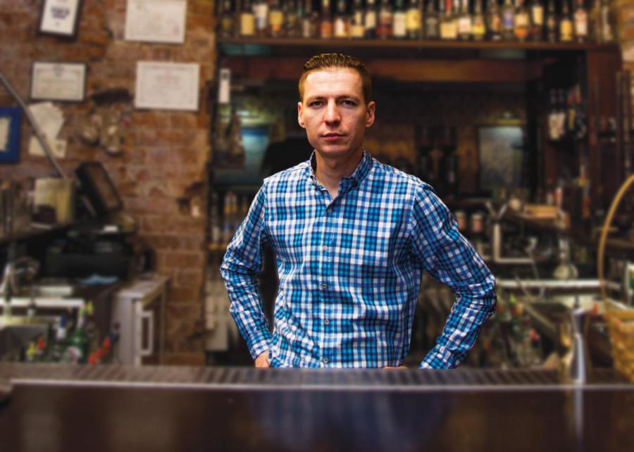 <p>Иван Благодатских, владелец коктейль-клуба «Молчанов-бар» и ресторана «33 вино и тапас».</p>