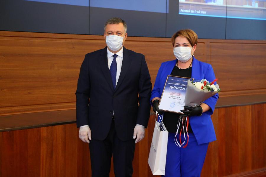 <p>Врио губернатора Иркутской области и ИП Ольга Шарпинская.<br /> Фото: Андрей Фёдоров.</p>