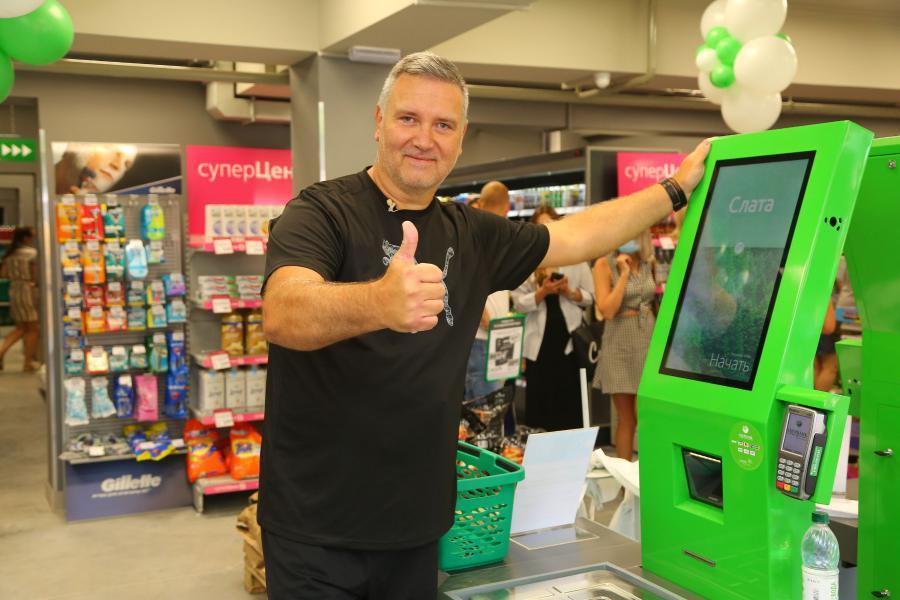 <p>Ярослав Шиллер, исполнительный директор РС «Слата».<br /> «Слата» открыла новый супермаркет с кассами самообслуживания.<br /> Фото: Андрей Фёдоров</p>