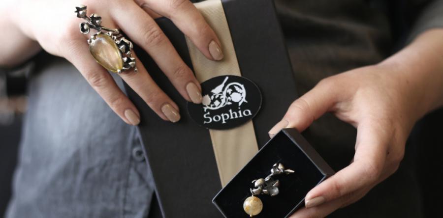 <p>Источник фото: сайтювелирного бренда «Sophia»</p>