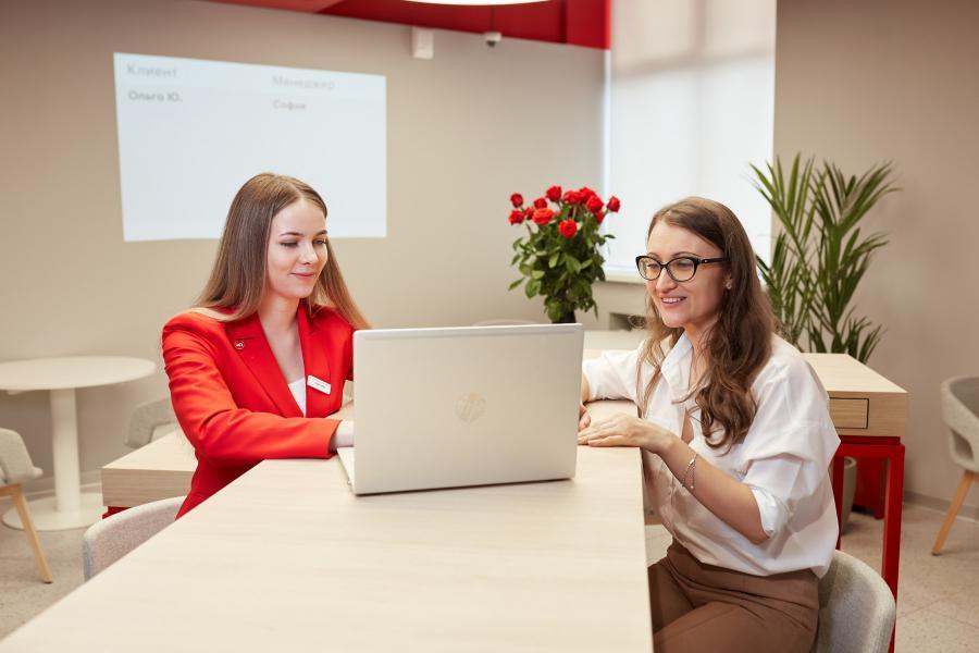 <p>Альфа-Банк открыл первый phygital-офис в Иркутске.</p>