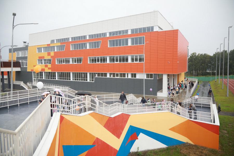 <p>Новая школа в микрорайоне Юго-Западный. Фото А. Федорова</p>