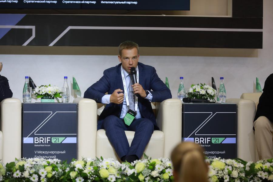 <p>БРИФ-2021.Антон Бутманов, директор по устойчивому развитию En+ Group.<br /> Фото: Андрей Фёдоров.</p>